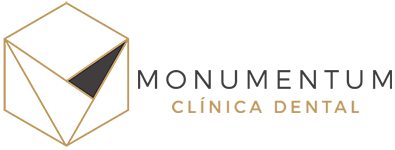 logotipo monumentum clinica dental